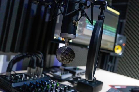 studio-4065107_640